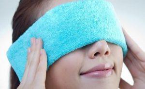 cách làm tan máu bầm ở mí mắt